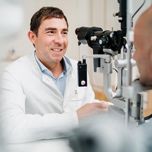 Augenärzte Gräfelfing bei München - Prof. Kook - Behandlung